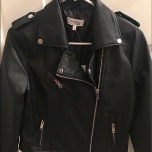 Faux black leather biker jacket💣